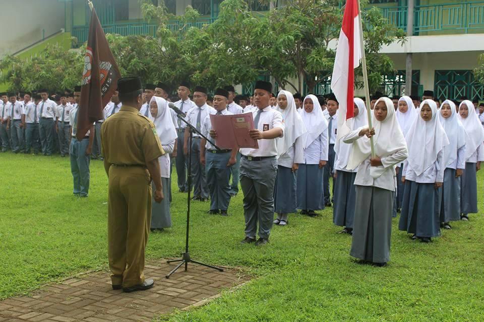 Pelantikan pengurus OSIS SMK Syafii Akrom